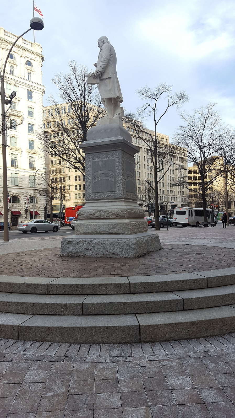 BenjaminFranklin-view-east
